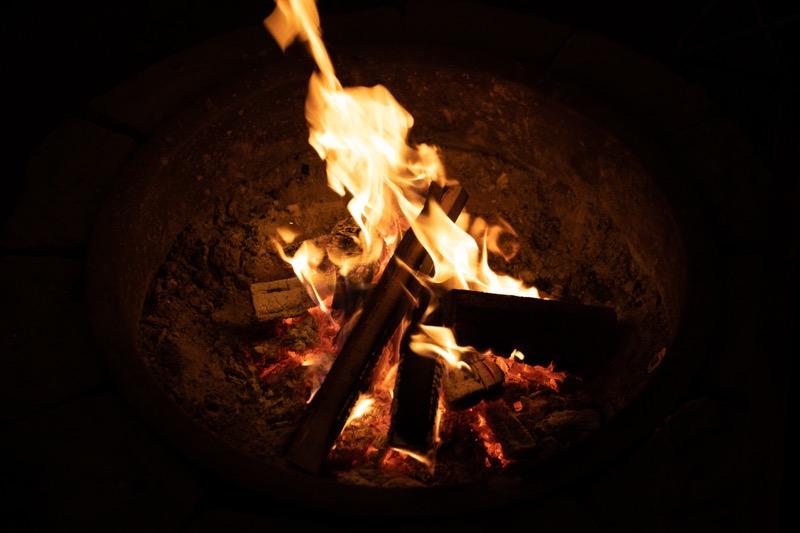 ウォーターガーデンリゾートキャンプ&マリーナ ファイヤーピット 焚き火